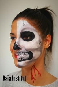 Maquillage halloween moitié du visage